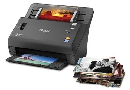 Epson FastFoto FF-640 Scans Photos
