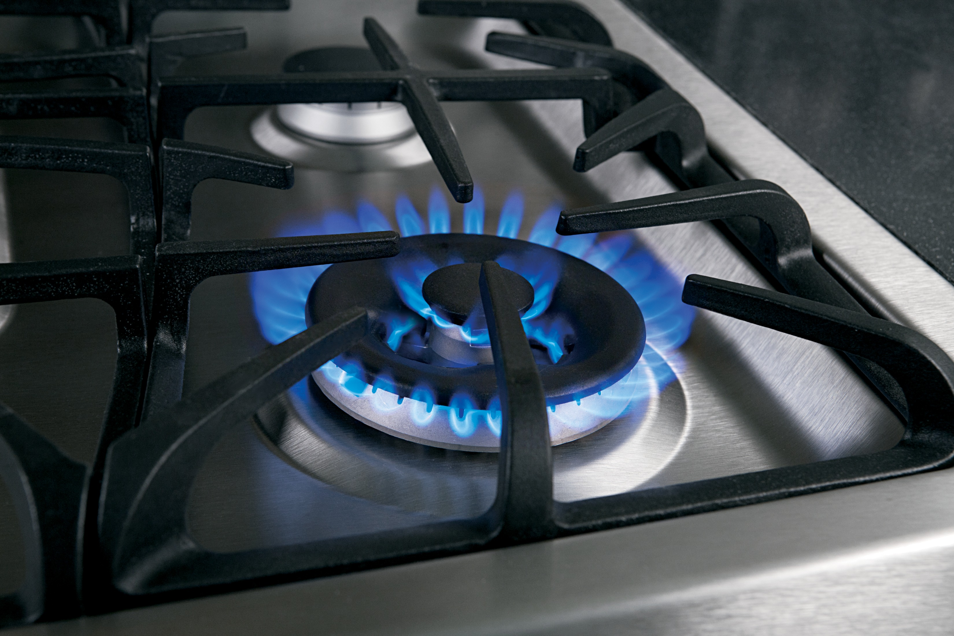 From Rapid Boiling To Gentle Simmering Ge Cooktops Do It