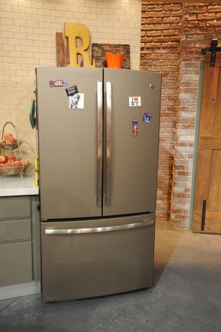 RACHAEL RAY GE Refrigerator in Slate