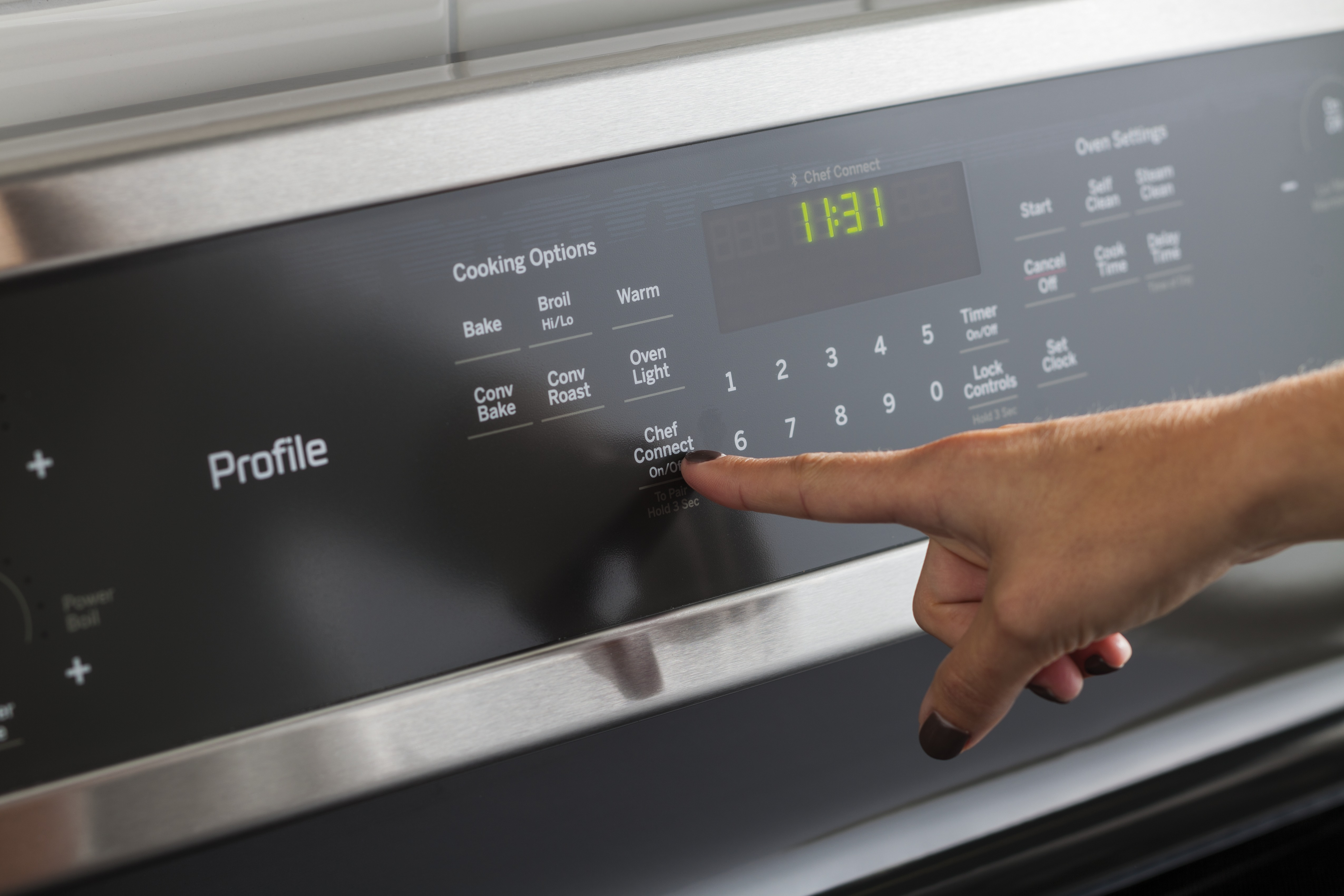 Ge Further Automates The Kitchen With Bluetooth Connected Range Line