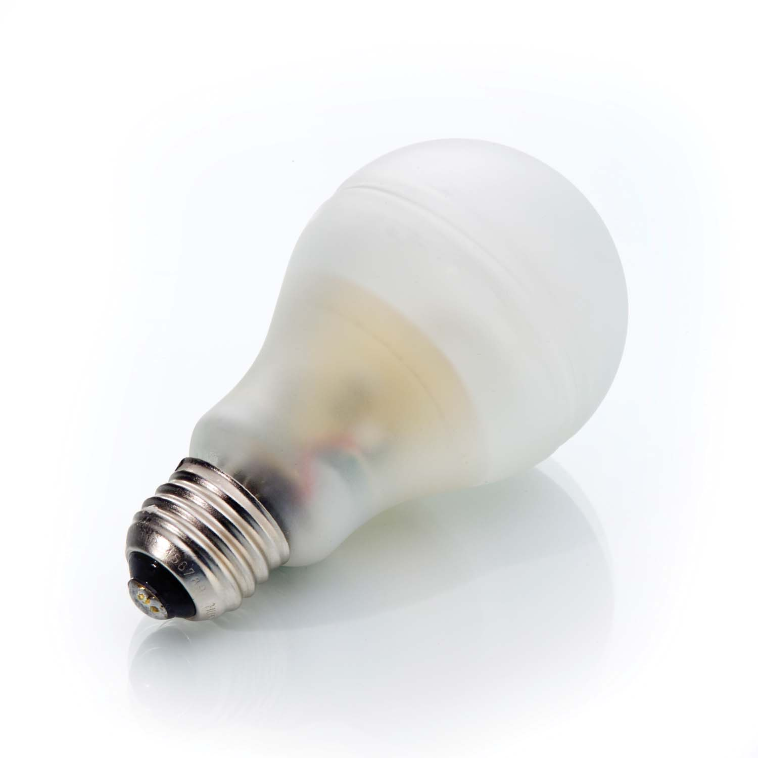 Ge debuts world 39 s first truly incandescent shaped energy smart cfl bulb ge lighting north Smart light bulbs