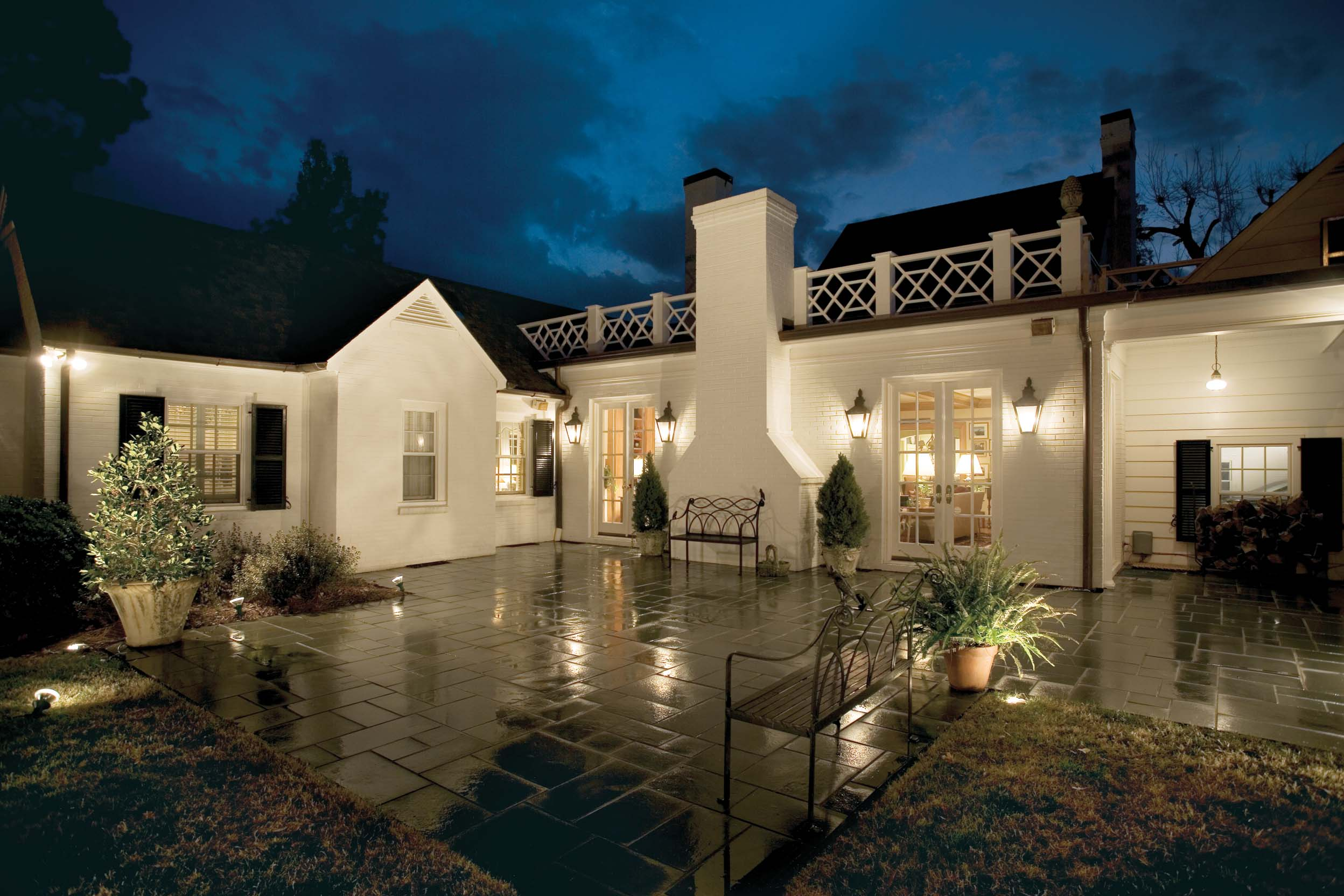 Lighting The Exterior Of Your Home Tips From The Experts At Ge Ge Lighting North America News