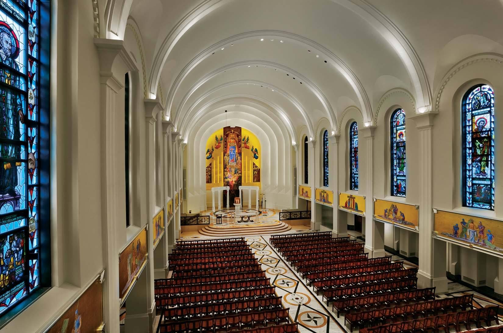 chapel uses ge lamps to emphasize architectural beauty ge lighting