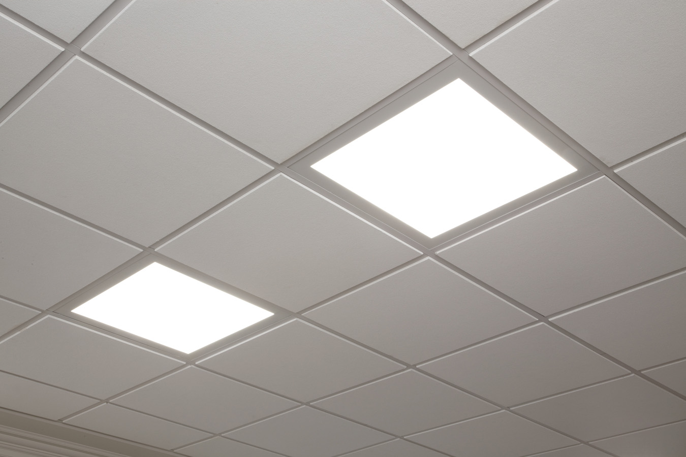 Not Your Traditional Ceiling Lights: GE Luminationu2122 LED Luminaires change the commercial ...
