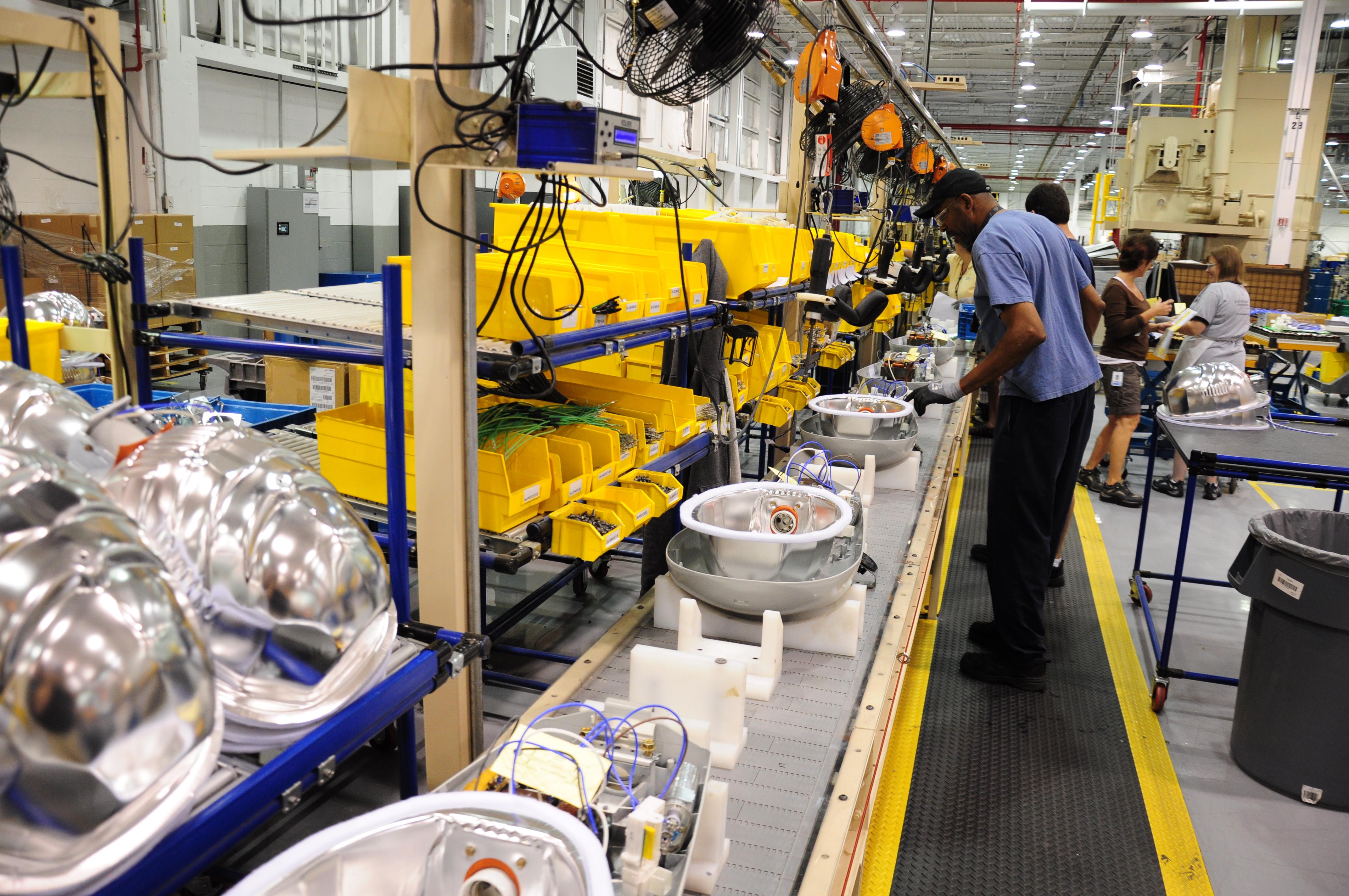 GE Lightings Hendersonville plant delivers quality lighting
