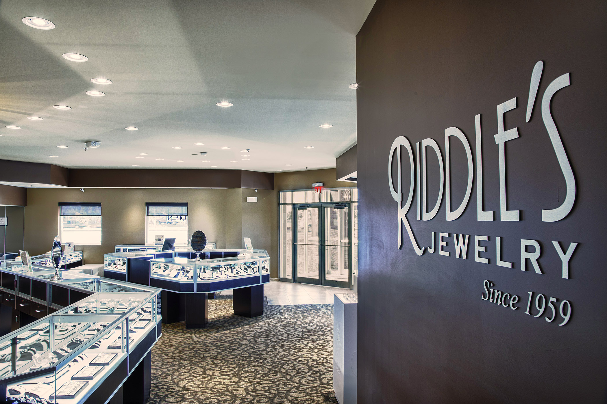 Ge s led replacement lamps at riddle s ge lighting north for Jewelry stores in usa