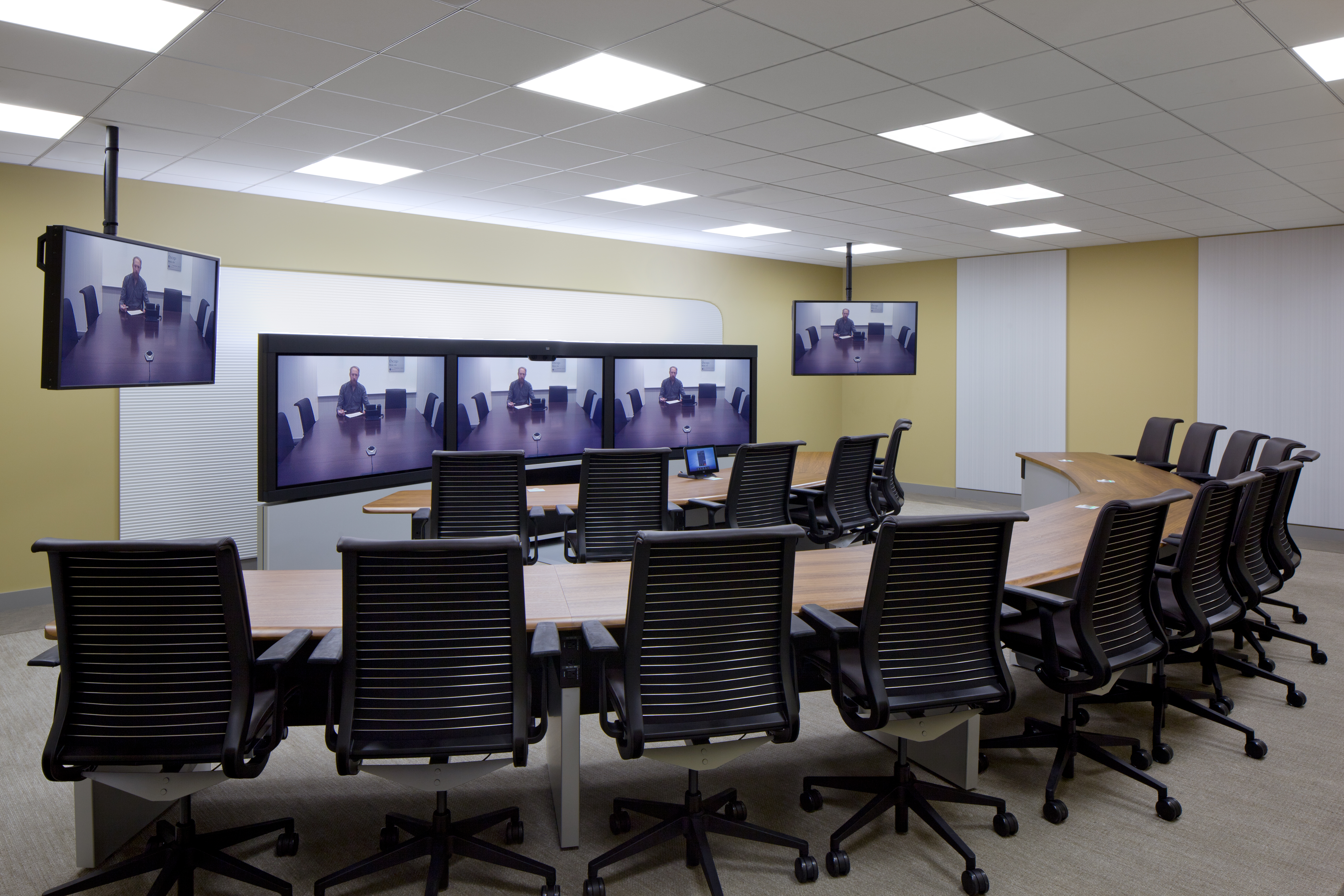 Ge S Led Lighting Fixtures Provide Energy And Cost Savings To Chicago Offices Ge Lighting