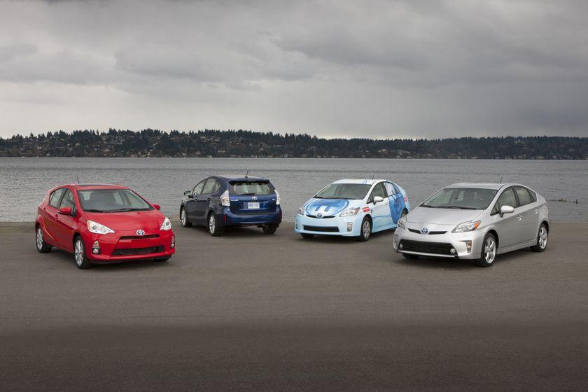 Toyota Prius family - 3