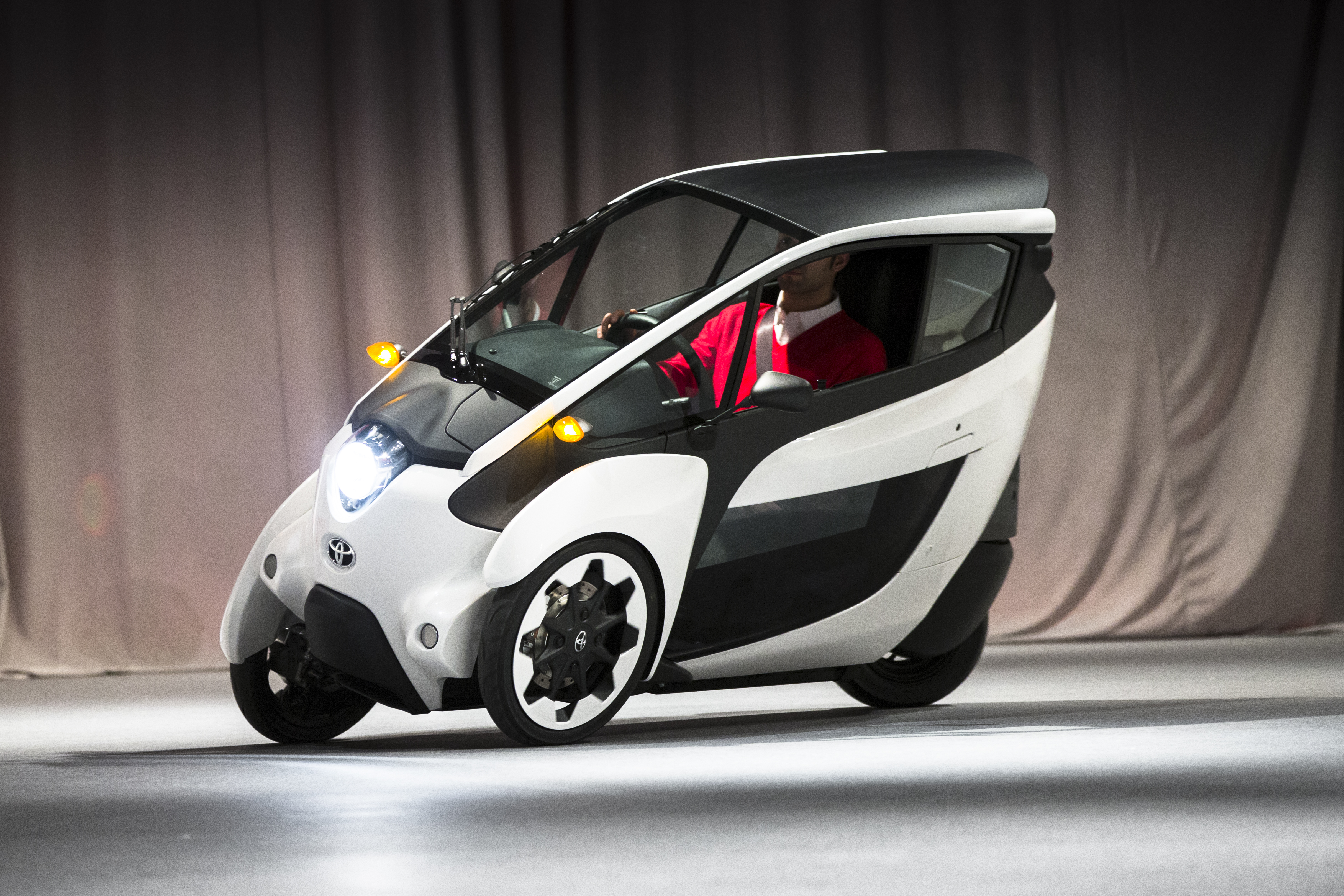 Toyota Canada Build And Price >> TOYOTA CANADA: Toyota i-Road concept vehicle bridges the divide between the motorcycle and the car