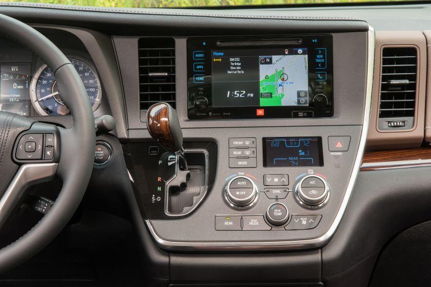 La Toyota Sienna 2017 Une Fourgonnette Pour Toutes Les Saisons Et Toutes Les Raisons