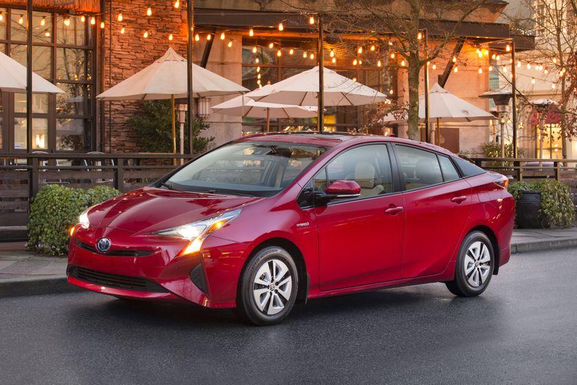 2016-2017 Toyota Prius Technology 5
