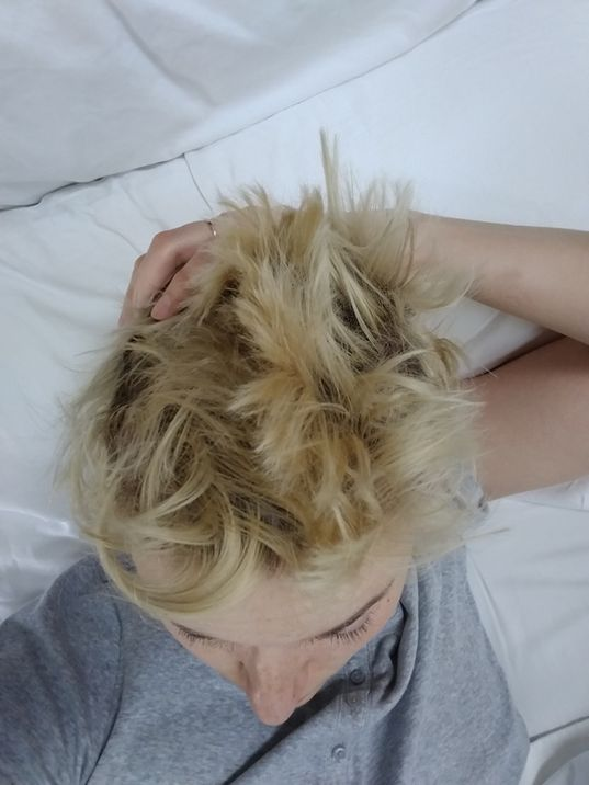 Veronica Roth's epic bedhead
