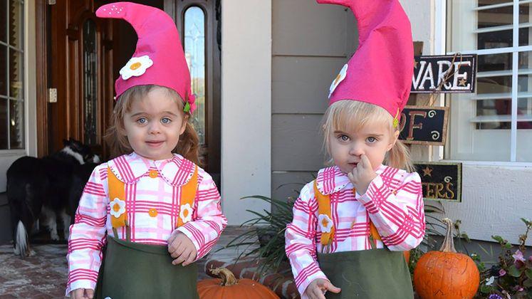 Bollin twin girls
