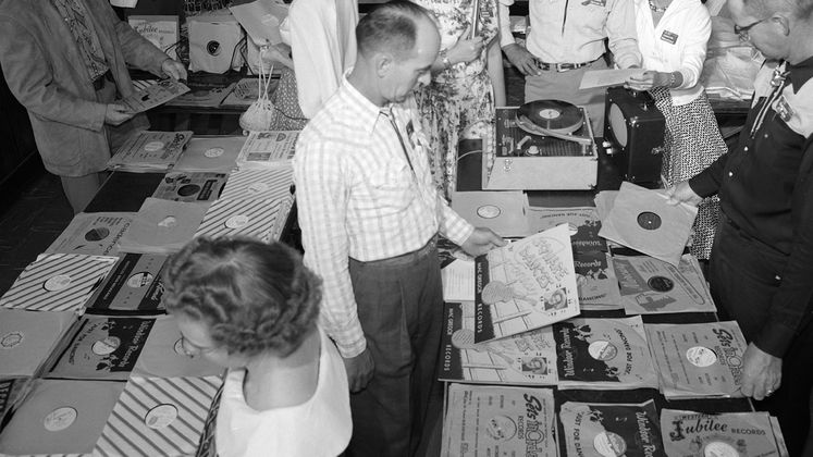 Store selling clothing and 78 records in 1957