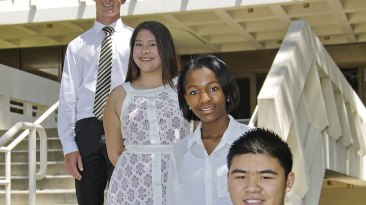 Edison Scholarship Winners Pose on Steps