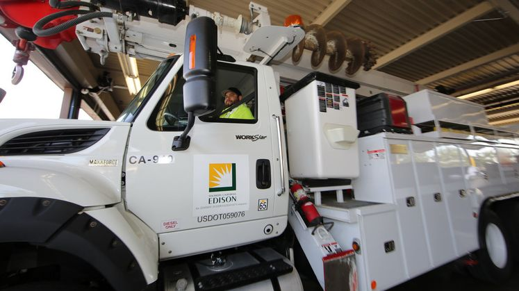 SCE crews prepare for rains
