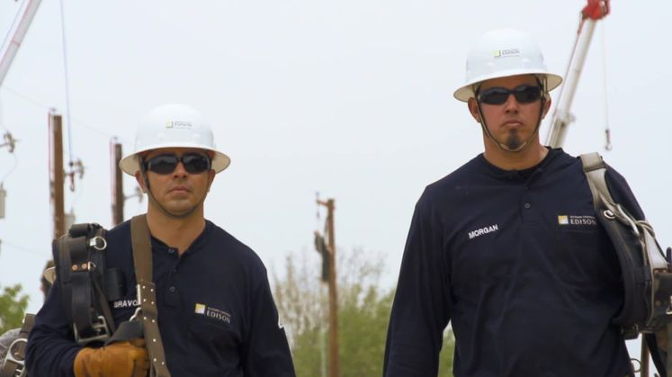 VIDEO: SCE Apprentices Learn What it Takes to Become a Lineman