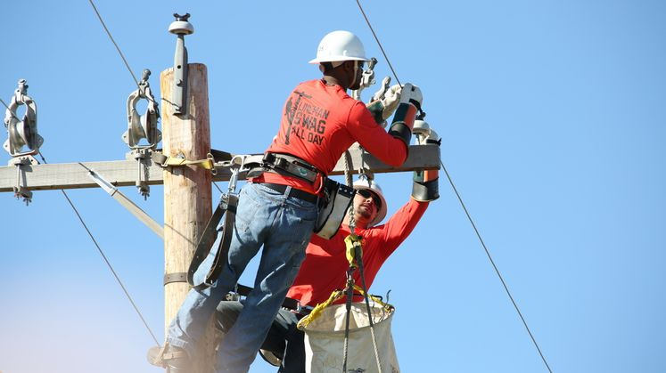 SCE Journeyman and Apprentices Take Part in 31st International Lineman's Rodeo