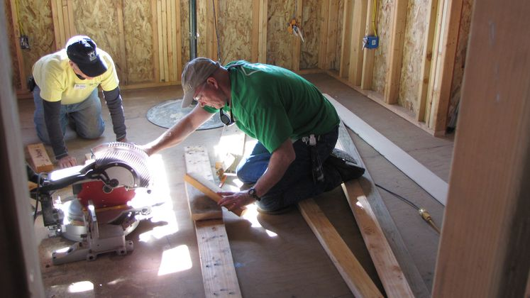 SCE Volunteers at Habitat for Humanity Build