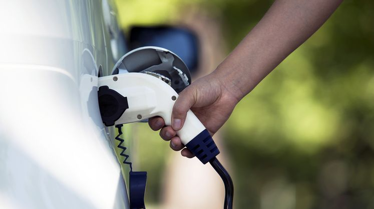 New SCE App Helps Calculate EV Savings