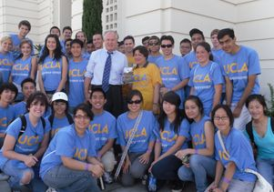 Councilman LaBonge and UCLA students