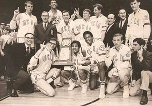 Coach Wooden team picture