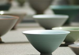 Ceramic bowls by Lee Young-Jae