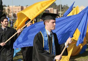 Students honor John Wooden with 99 flags