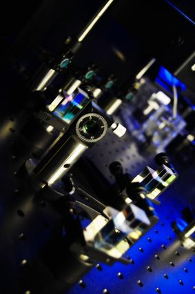 STEM microscope designed at UCLA