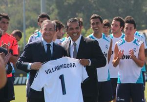 Villaraigosa visits Real Madrid