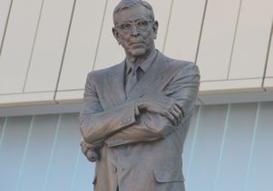 Coach John Wooden eyes Bruin Walk