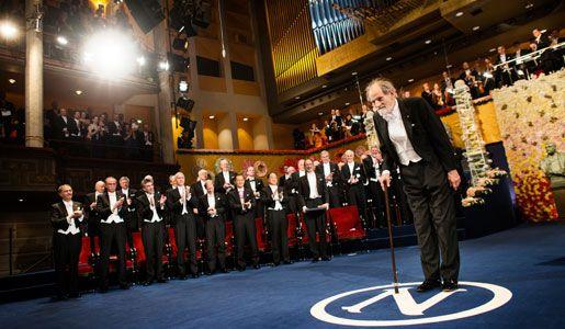 Lloyd Shapley accepts Nobel