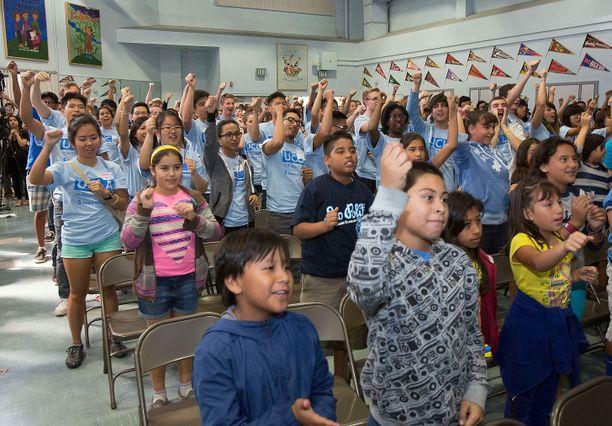 Volunteer Day 8-clap