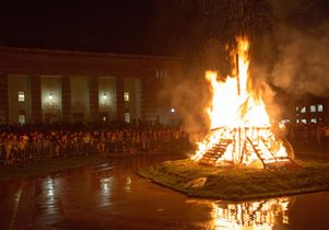 """Beat 'SC"" bonfire and rally"