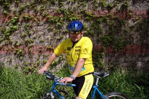His commute 39 s a wild ride ucla for Brent carrier