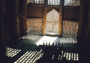 interior-of-a-mudhif-made-of-woven-reeds