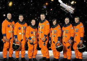 McArthur  and  Atlantis STS-125 crew