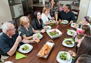 iStock dinner-partytoc