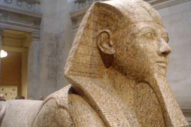 Hatshepsut granite statue
