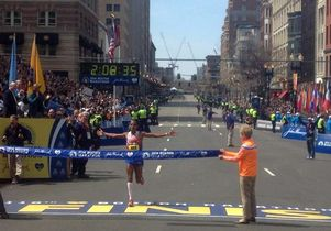 Meb Keflezighi wins Boston