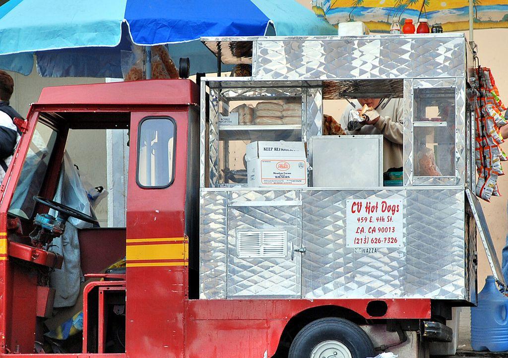 Hot dog vendor - UCLA commuter photo