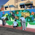 Student volunteers at Queen Anne Elementary in Los Angeles