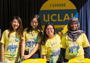 UCLA students at Bruin Day