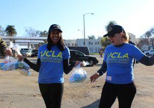 Human chain of volunteers
