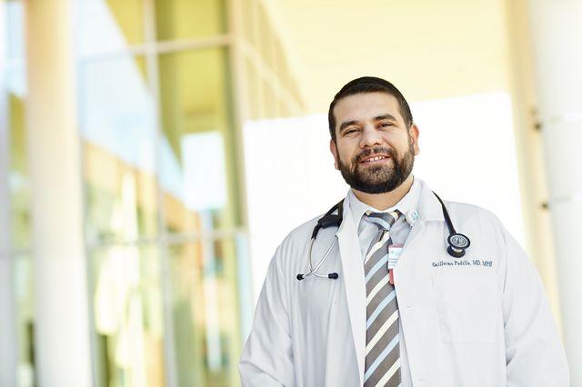 Dr. Guillermo Padilla