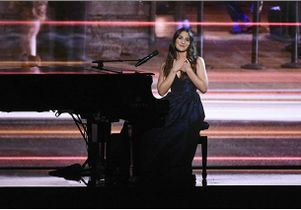 sara-bareilles-kennedy-center-honors_mid.CBS