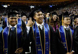 Commencement grads