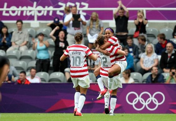 Lauren Holiday, Sydney Leroux and Carli Lloyd of USA Soccer