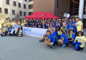 UCLA students at Volunteer Day 2015