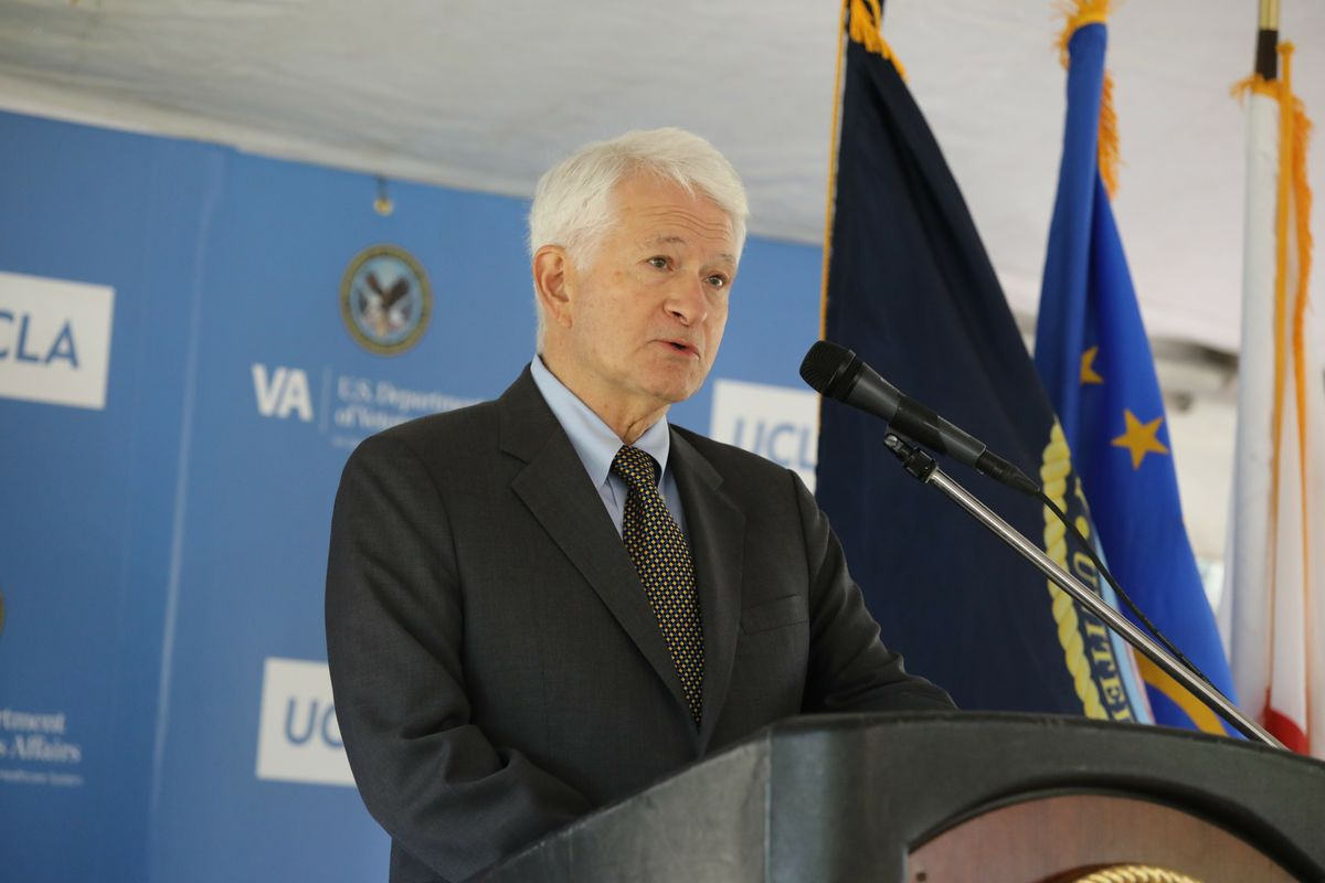 Chancellor Gene Block at VA event